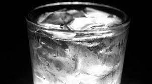 Pourquoi faut-il arrêter de boire de l'eau glacée